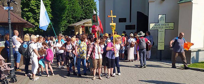 ŁAŃCUT: Do pielgrzymki dołączyła grupa św. Urszuli